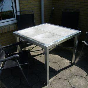 Havebord med beton fliser 90 x 90 x 73